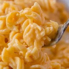 Boston Market Mac and Cheese, made with three cheeses is super creamy and easy to make and the perfect copycat! Super creamy, cheesy and easy to make! Cheetos Mac And Cheese Recipe, Mac And Cheetos, Kfc Mac And Cheese, Creamy Mac And Cheese, Slaw Recipes, Chili Recipes, Copycat Recipes, Mexican Recipes, Rice Recipes