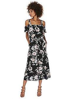 F&F Floral Print Cold Shoulder Cropped Jumpsuit - Black Black Jumpsuit, Playsuits, Catwalk, Cold Shoulder, Floral Prints, Queen, Fashion Outfits, Clothes For Women, Dresses