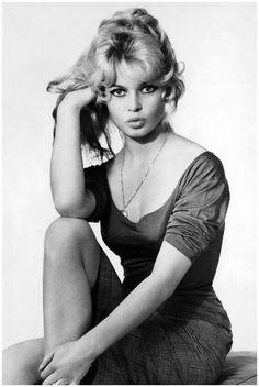 Photo by C.Tavin - Brigitte Bardot, 1952 | hollywood starlet | pose | pout | black & white photography | vintage | 1950's