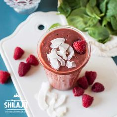 Who says you can't have dessert for breakfast? This gorgeous (red) green smoothie is one of my family's favorites. Bright, tart raspberries paired with creamy coconut milk, sweet coconut water, iron-rich spinach, and a spoonful of flax seed is just the thing when you're craving something sweet. INGREDIENTS 2 cups spinach,1 cup coconut milk,1 cup coconut water,3 cups raspberries,1 Tablespoon ground flax seed,1 teaspoon vanilla extract, 1 gr Organic Shilajit