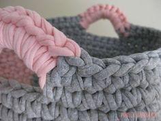 Crochet Basket Pattern, Macrame Patterns, Hand Embroidery Designs, Bathroom Design Small, Diy Crochet, Celebrity Weddings, Merino Wool Blanket, Art Education, Diy Crafts