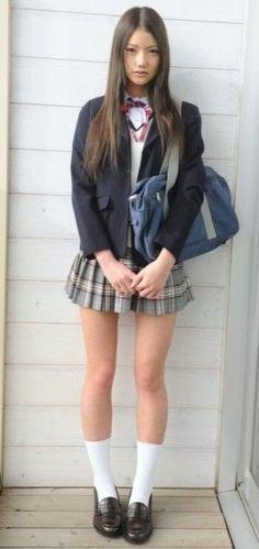 school girl look. School Girl Japan, Japanese School Uniform Girl, School Uniform Fashion, School Girl Outfit, Japan Girl, Japanese High School, Pretty Asian Girl, Beautiful Japanese Girl, Cute Asian Girls