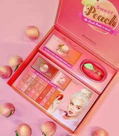 """165.9 mil Me gusta, 5,344 comentarios - Too Faced Cosmetics (@toofaced) en Instagram: """"#regram @jerrodblandino Sweet Peach Collection has officially launched! Let's celebrate! I'm giving…"""""""