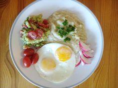 Guacamole s vejci a celerovou kaší Guacamole, Eggs, Breakfast, Food, Morning Coffee, Egg, Meals, Yemek, Eten