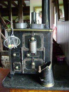 FOR-YOUR-DOLL-BEAUTIFUL-ANTIQUE-VICTORIAN-STOVE-TOY-CIRCA-1850-MAKE-OFFER
