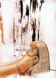 "donutguts: "" "" Ellen Von Unwerth for I-D, January 1997 "" someday, I will own these shoes "" Ellen Von Unwerth, Crazy Shoes, Me Too Shoes, Dream Shoes, Rose Gold Metallic, Gold Glitter, Glitter Rocks, Glitter Gif, Glitter Party"