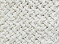 Diagonal Basketweave Knitting Pattern with lots of pictures to help you understand the pattern instructions! Knitting Stiches, Easy Knitting, Knitting Yarn, Crochet Stitches, Stitch Patterns, Knitting Patterns, Crochet Patterns, Yarn Projects, Knitting Projects