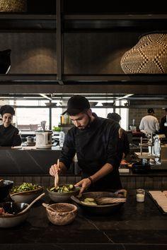 Surface for Serax at Casa Cook Hotel Open Kitchen Restaurant, Luxury Restaurant, Restaurant Design, Restaurant Bar, Luxury Cafe, Restaurant Interiors, Kos Hotel, Casa Cook Hotel, Hotel Buffet