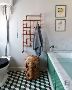 Sussex Cottage Guest Bathroom Bath Kids Cottage Eclectic English Country by Beata Heuman Ltd Interior Design Portfolios, Interior Design Companies, Beata Heuman, Wit And Delight, Folder Design, Yellow Walls, Shop Interiors, Texture Design, Elle Decor