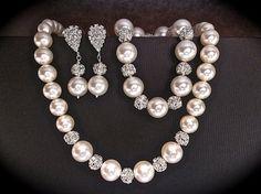 Bridal jewelry set // Pearl and rhinestone by QueenMeJewelryLLC, $110.99