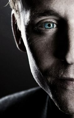 that's my soul right there. His eye in this one is killing me, slowly. Amazing Eyes, Beautiful Eyes, Thomas William Hiddleston, Tom Hiddleston Loki, Dear Lord, British Boys, British Actors, Hello Gorgeous, Deep Sea