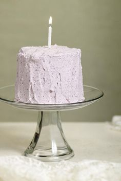 This healthier smash cake is made with whole wheat flour and no refined sugars. This easy-to-follow recipe is sure to be a hit for a birthday party, baby shower...