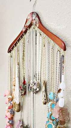 Do you have a ton of jewelry but you dont know how to store it neatly? If you dont want to spend a fortune on specially made jewelry storage, then the #diyjewelry