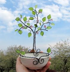 Wire Crafts, Bead Crafts, Diy And Crafts, Copper Wire Art, Wire Jig, Wire Flowers, Wire Trees, Iron Art, All Craft