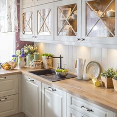 Modern kitchens may be efficiently kitted out and look seamlessly well designed with nice materials fixtures and finishes – but […] kitchen fixtures Inspiring Modern Scandinavian Kitchen Design Ideas Farmhouse Style Kitchen, Rustic Kitchen, New Kitchen, Kitchen Dining, Kitchen Decor, Kitchen Cabinets, Kitchen Ideas, Kitchen Layout, Glass Cabinets