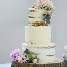 semi naked rustic wedding cake buttercream