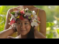 She wore flowers in her hair! DIY a traditional Polynesian Lei in Tahiti for Summer 2013