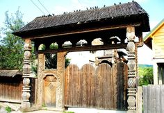 Symbols of the beautiful gates of Maramures Stargate, Bulgaria, Romania, Home And Living, Gazebo, Outdoor Structures, Country, House Styles, Beautiful