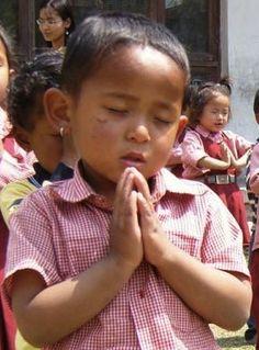Workshop-children-pray, from Rug-Star