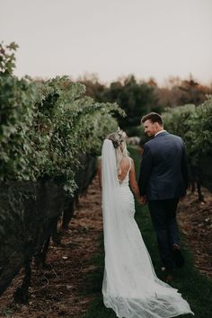 You'll love all the elegant details from this boho winery wedding   Image by Corey Lynn Tucker Photography