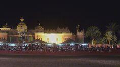 Du må ikke gå glipp av det fantastiske showet på Fantasia i Marrakech. I fantastiske omgivelser vil du få servert middag og underholdning i store telt (haijma) før du går ut og ser det tradisjonell…