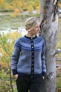 """Veme""- kofta Fair Isle Chart, Fair Isle Knitting, Knitting Charts, Sweater Weather, Cardigans For Women, Knit Cardigan, Knitting Patterns, Crochet, Retro"