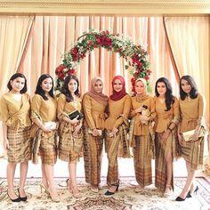 20 Ideas dress brokat coklat for 2019 Kebaya Modern Hijab, Model Kebaya Modern, Kebaya Hijab, Batik Kebaya, Kebaya Dress, Kebaya Muslim, Batik Dress, Model Rok Kebaya, Modern Bridesmaid Dresses