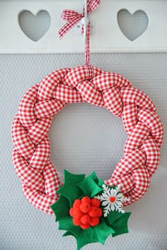 Rozeta handmade: Szyjemy wianek...krok po kroku. Czyli mała rzecz, a cieszy:-)
