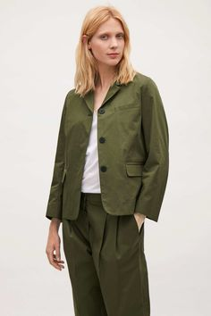 Tailored from crisp cotton, linen and wool, our blazers are timeless in design. Discover a range of women's blazers from our coats & jackets collection at COS. Cotton Blazer, Linen Blazer, Cos Jackets, Khaki Green, Cotton Linen, Military Jacket, Raincoat, Bomber Jacket, Clothes For Women