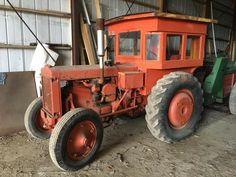 1936 Case LI with wooden cab Antique Tractors, Vintage Tractors, Old Tractors, Tractor Cabs, Case Tractors, Classic Tractor, Rubber Tires, Heavy Equipment, Farm Life