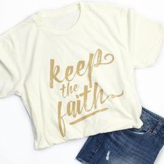 I have fought the good fight, I have finished the race, I have kept the faith. 2 Timothy 4:7 This is a super-soft unisex t-shirt with our Keep The Faith design. FIT: Unisex - Runs true to size. *Natur