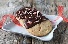 Holiday Cookie Recipes: Chocolate Dipped Peppermint Cookies