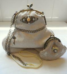 Bolso de boquilla vintage hechos a mano. http://lolitasala.es   Vintage purse