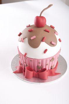 I designed this for a CakeStar Valentines Day promotion. I designed this for a CakeStar Valentines Day promotion. I designed thi Deco Cupcake, Big Cupcake, Giant Cupcake Cakes, Fondant Cakes, Fancy Cakes, Cute Cakes, Yummy Cakes, Hostess Cupcake Cake Recipe, Cake Smash