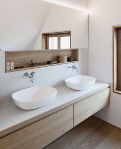 Timber infused Japanese bathroom via @adesignersmind #timberdesign #japanesefurniture