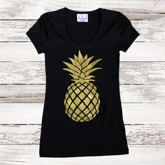 Pineapple Fitted Tee T Shirt Gold Pineapple Top for Women Teens Tumblr... (€33) ❤ liked on Polyvore featuring tops, t-shirts, black, women's clothing, black tee, pineapple shirt, checked shirt, fitted tee и gold shirt