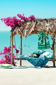 Tropical Island Adventures :: Escape to a Beach Paradise :: Soak in the Sun :: Palms + Ocean Air :: Discover more Island Life Inspiration Dream Vacations, Vacation Spots, H & M Home, Exotic Places, Tropical Paradise, Summer Paradise, Summer Of Love, Summer Beach, Green Beach