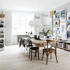 Interior stylist Mette Helena Rasmussen's apartment is every bit as beautiful as you'd imagine it to be. Art-filled but with a minimalist, scandi vibe. Bathroom Styling, Bathroom Interior Design, Interior Decorating, Interior Livingroom, Design Jobs, Living Room Decor, Living Spaces, Earthy Home Decor, Deco Restaurant
