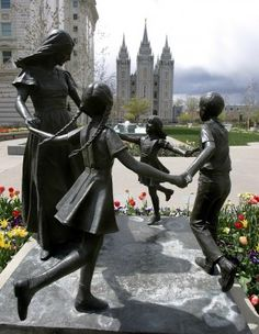 Mother with Children Statue