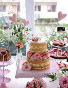 Naked cake  by mamãe fez bolo