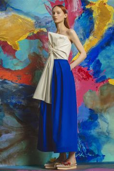 Catwalk photos and all the looks from Delpozo - Pre Spring/Summer 2017 Ready-To-Wear New York Fashion Week Foto Fashion, Fashion 2017, Fashion Art, Editorial Fashion, Runway Fashion, Fashion Show, Fashion Dresses, Fashion Looks, Fashion Design