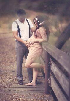 Romantic maternity photos