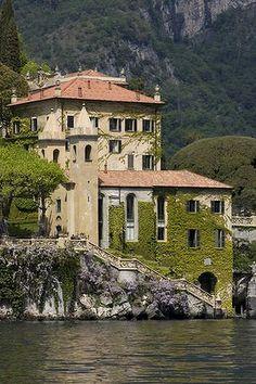 Cliffside charm ... Villa del Balbianello. Photo: Corbis
