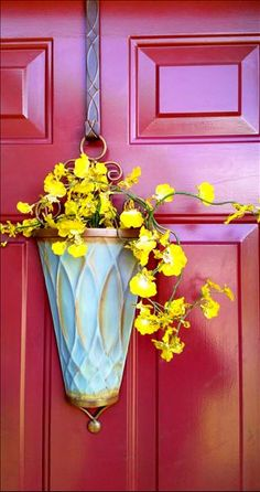 This sprig of yellow catches your eye in our Morningside Door Bucket from www.imagine.willowhouse.com