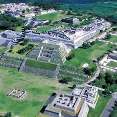 Vista panorámica de Xochicalco en Morelos. Significa:en el lugar de la casa de las flores