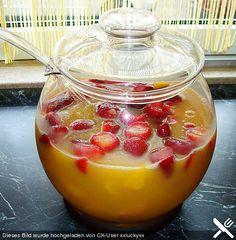 Erdbeer - Pfirsich Bowle, ein schmackhaftes Rezept aus der Kategorie Bowle. Bewertungen: 3. Durchschnitt: Ø 3,2.