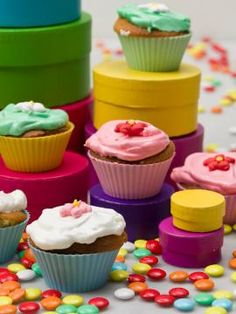 These cupcakes will give a cheerful color to … – Flowers Desing Ideas Macarons, Sweet Corner, Cupcakes, Yams, Rose Water, Flower Decorations, Truffles, Food Inspiration, Muffins