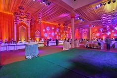Are you looking for wedding decor in some traditional shades? Here is a beautiful yellow wedding decor with a touch of magenta pink elements! Yellow Purple Wedding, Orange And Purple, Purple Wedding Decorations, Stage Decorations, Purple Wisteria, Floral Chandelier, Black Vase, Pink Garden, Purple Backgrounds