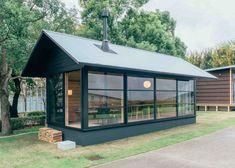 ビジネス街の中心にこんな小屋はいかが?「木の小屋 in Design Touch 2015」 – YADOKARI スモールハウス/小屋/コンテナハウス/タイニーハウスからこれからの豊かさを考え、実践するメディア。