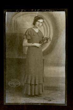 Kobieta z różą #Bielski #Fotografia #zdjęcia #Łódź #moda #historia #fotobielski